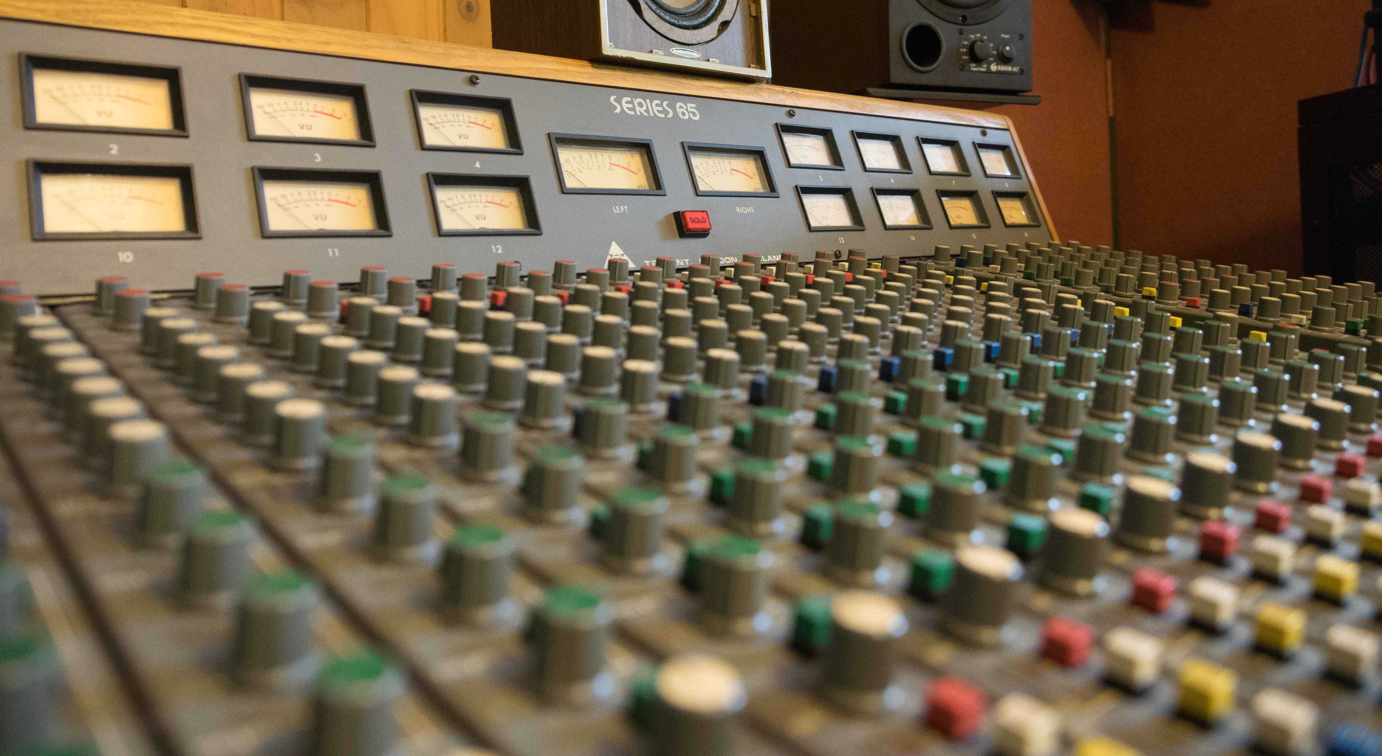 Rohan Sforcina Recording Trident Console Series 65 Gear